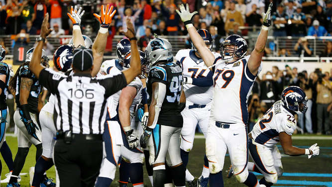 Denver Broncos siegen beim Super Bowl 2016