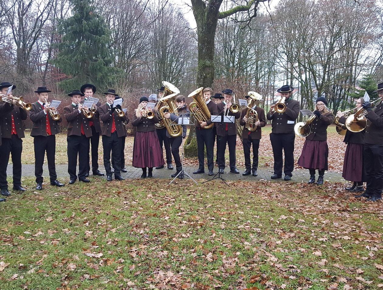 Weihnachtsgrüße Musikalisch.Wasserburg Musikalische Weihnachtsgrüße Von Der Stadtkapellenjugend