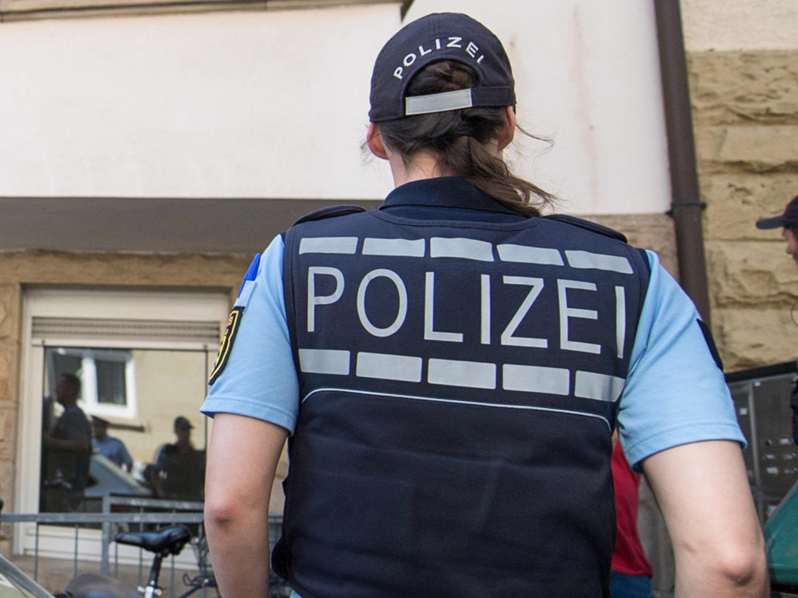 Dating weiblicher Polizist Dating jemand mit milder Schizophrenie